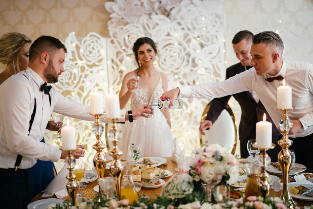obowiązki świadka na ślubie i weselu